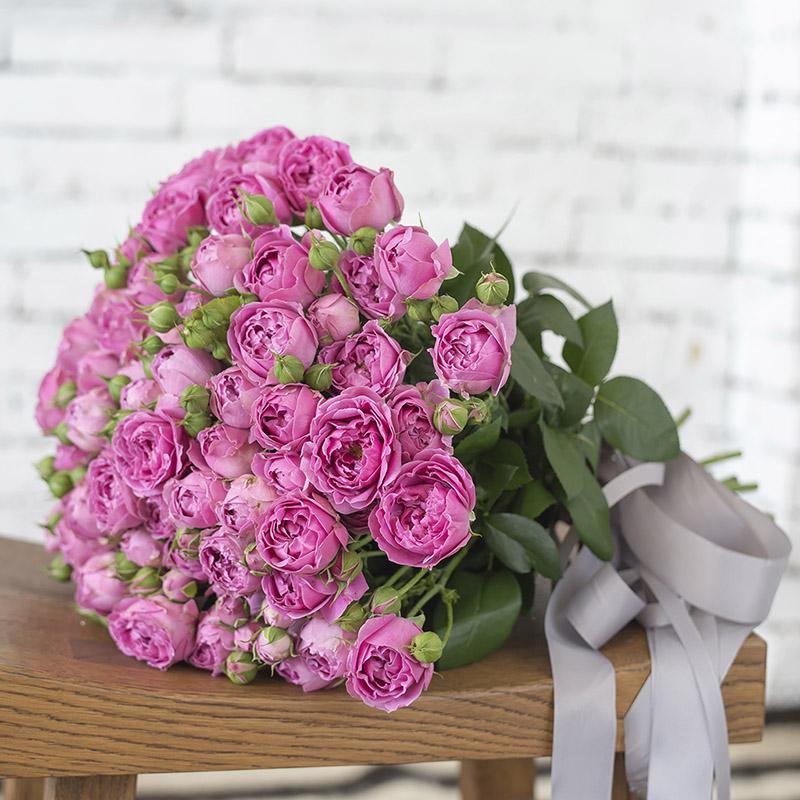 Букет з 19-ти гілок рожевих піоноподібних троянд «Місті Баблз»
